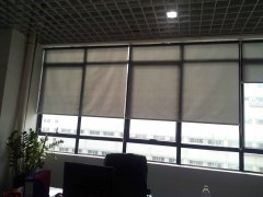 车公庙泰然科技园东座5楼遮光卷帘成功案例