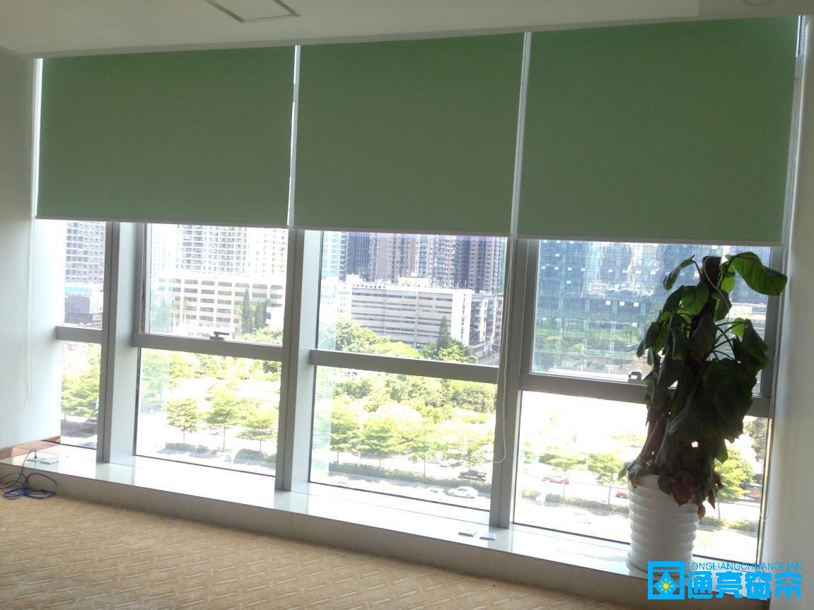 承接深圳市内窗帘,地毯工程,免费上门订做窗帘、订做遮光卷帘、办公室窗帘
